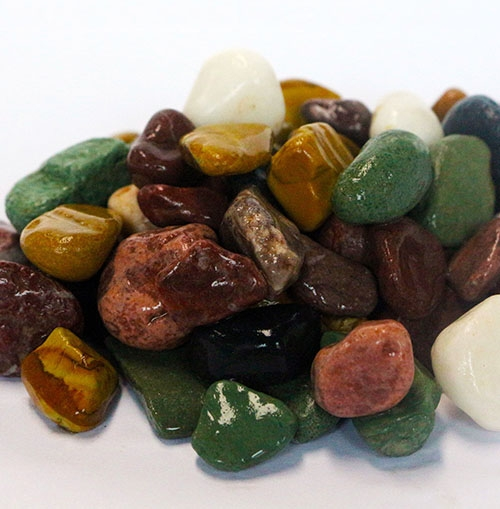 Why is pebbles an ideal interior decoration material?